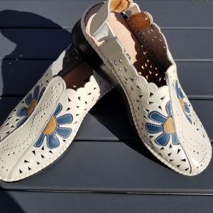 Alia leather floral clog shoes
